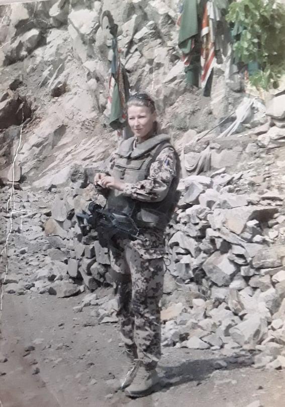 """Uta Paproth  Afghanistan """"Vor einem Märtyrergrab"""""""