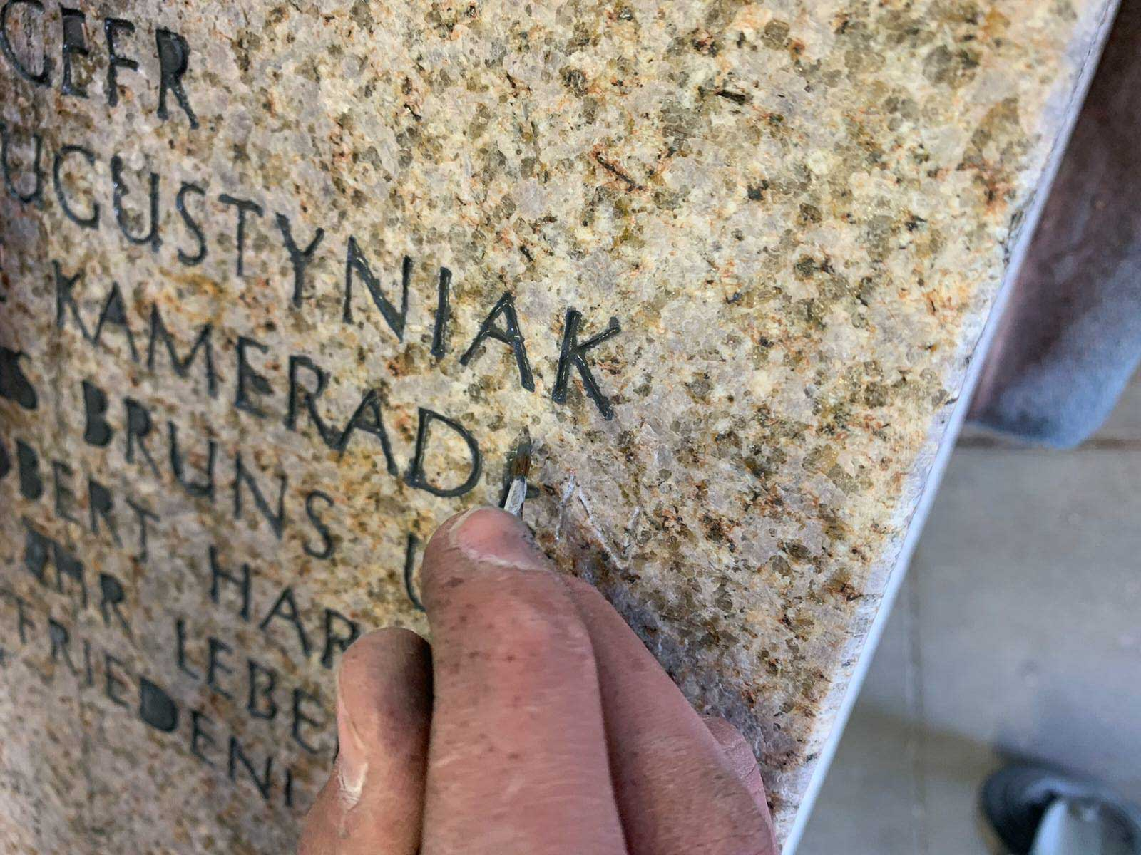 Stele-Martin-Augustyniak-Veteranenkultur13