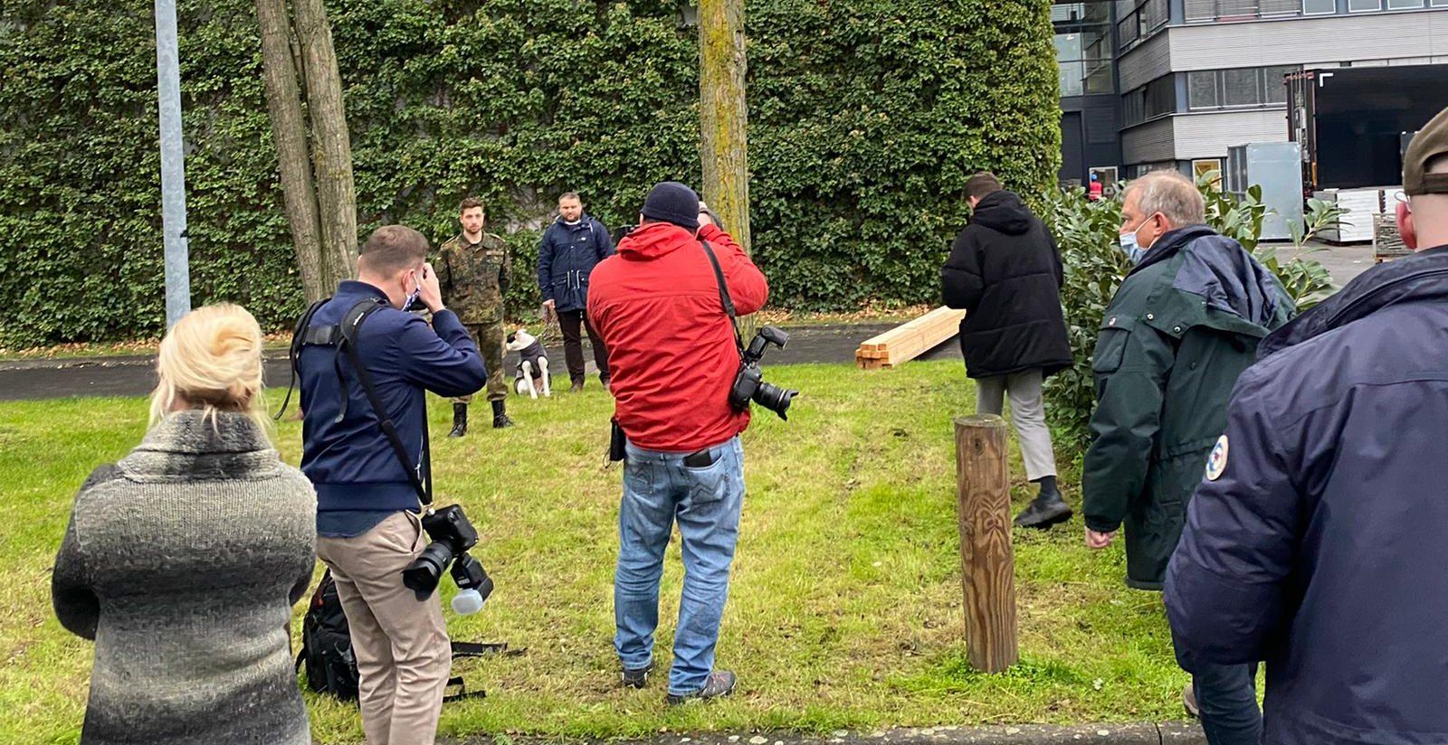 Shooting am Rande des Pressetermins Bild:Sven Günther